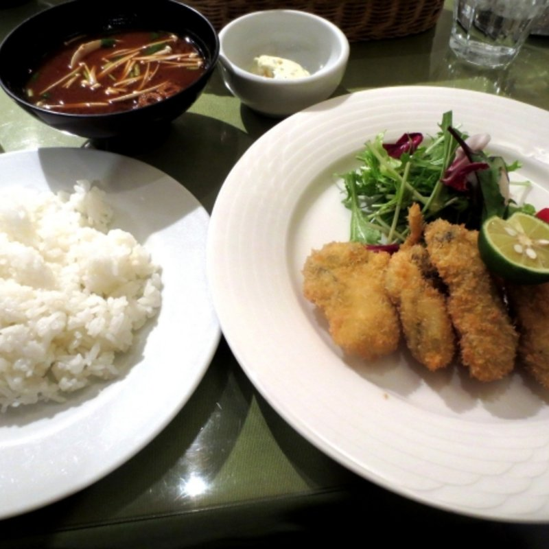 的矢産フレッシュカキフライ定食