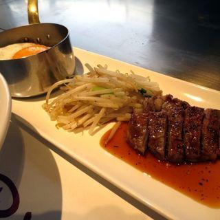 (平日限定)サイコロステーキ&煮込みハンバーグランチ(鉄板焼 リオ)