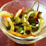 お通し(季節野菜の和え物)