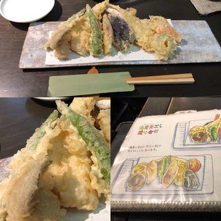 穴子の天盛り(銀杏 (ぎんなん))
