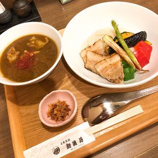 カレーつけ麺(自家製麺 新渡月 (じかせいめん しんとげつ))