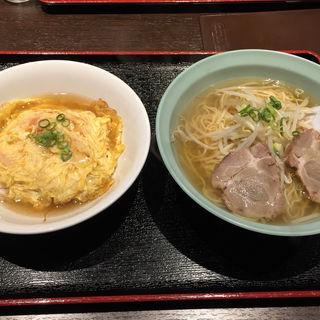 天津飯とラーメン(老友酒家 (ロウユウシュケ))