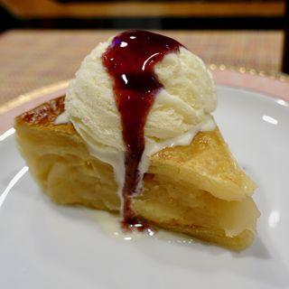 アップルパイ(コーヒー or 紅茶付き)(Cafe 美紀)