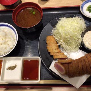 牛カツと鮪カツの相盛り膳(牛カツ専門店 京都勝牛 ヨドバシAkiba)