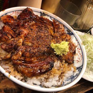 炭火焼豚丼甘辛醤油だれ大盛り(ぼんてん酒場 )