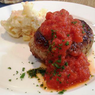 限定 自家製ハンバーグ トマトソース(キッチン ラフト)