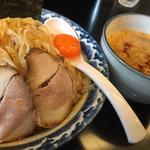 極煮干し醤油つけ麺/大盛り/辛み