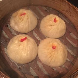 上海蟹みそ入り小籠包(上海小籠包 厨房 阿杏 新宿店 (ああん))