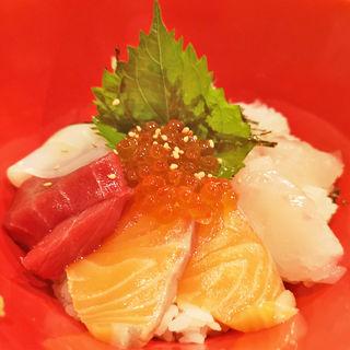 スーパー豪華な海鮮丼(鶏魚きっちん)