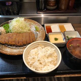牛かつ麦飯とろろセット(牛かつ もと村  渋谷道玄坂店)
