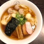 特製ワンタン麺(黒だし)