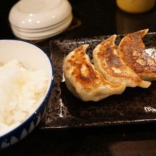 超キャベツ餃子(4ケ)半ライスセット(七福軒)
