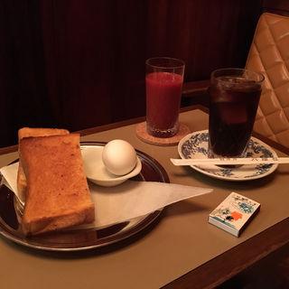 モーニング(六曜社 珈琲店 (ロクヨウシャ))