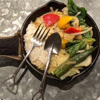 1日分の野菜カレー(タイ風グリーンカレー)(野菜を食べるカレーcamp エキマルシェ大阪店 (キャンプ))