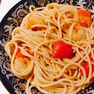 トマトとパプリカのスパゲッティ魔法バージョン(ベリッシモサロン)
