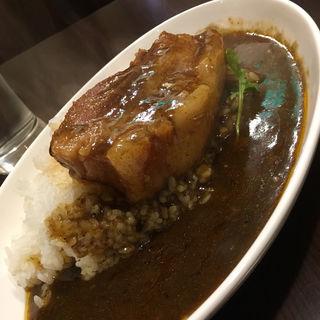 角煮カレー(グリルアンドバー ハナヤ)
