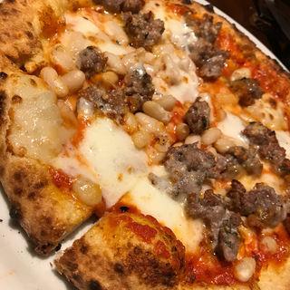 サルシッチャと白インゲン豆、モッツァレラのトマトソース(ピッツェリア・エ・バール・レガーメ (Pizzeria e bar LEGAME))