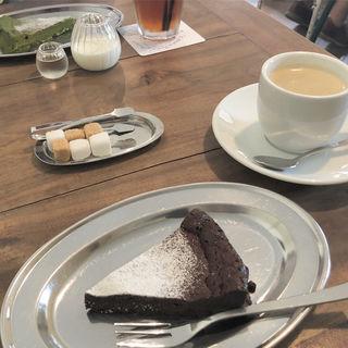 ケーキ(カフェ クロモリ)