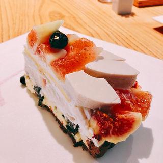 国産いちじくと京都丹波産「新丹波黒」のケーキ(京 カフェコムサ (キョウ カフェコムサ))