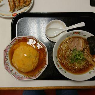 ミニ醤油ラーメンとミニ天津飯セット(餃子の王将 国立駅南口店 )