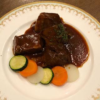 牛肉のカルボナード(白雪ブルワリービレッジ 長寿蔵 (チョウジュクラ))