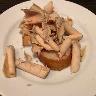 フォアグラテリーヌのアイスをのせたトースト