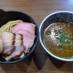 味玉極濃煮干しつけ麺