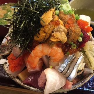 上バラ海鮮丼、ウニ追加(江戸富士 )