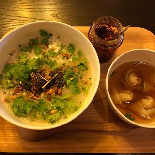 棒棒鶏と香草の豆乳粥(テディアンドダディ )
