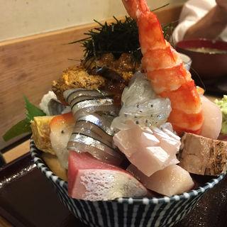 上海鮮丼、ウニ追加(江戸富士 )