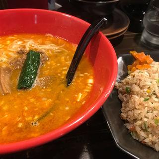 赤担々麺 半チャーハンセット(中華麺達 旬風)