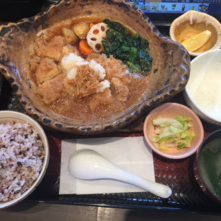チキンかあさん煮定食(大戸屋 新宿イーストサイドスクエア店 )