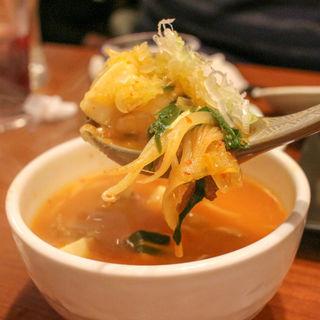 ユッケジャンスープ(串もん 末吉や)