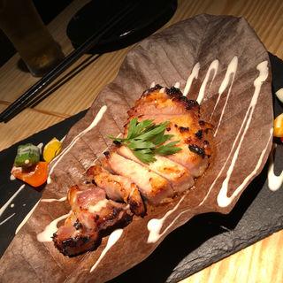 豚ロースの味噌漬け朴葉焼き(お酒と和ごはん KINJO)