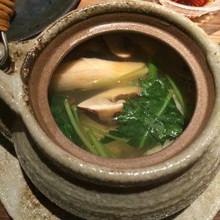 松茸と鱧の土瓶蒸し(ぽんしゅや三徳六味)