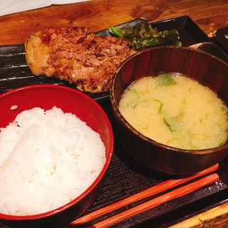 大山鶏モモ肉香味焼き定食(越後屋亀丸 飯田橋サクラテラス店 (エチゴヤカメマル))