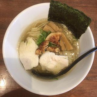 自家製真鯛の焼き干しと秋の香りの塩ラーメン(香味亭 (KOUMITEI))