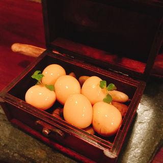 うずら玉子の醤油漬け(炭火焼鳥コクレ (Sumibiyakitori Coquelet))