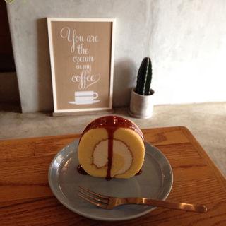エスプレッソキャラメルロールケーキ(NORIZ COFFEE)
