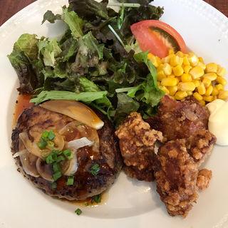 ランチ ハンバーグと鶏から揚げ(ロイヤルホスト 南バイパス店 )
