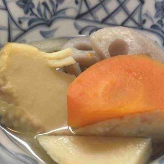 タケノコとれんこんと人参の煮物(寿司割烹『松ふじ』)