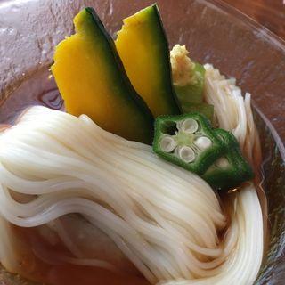 冷やし物・鯛吉野、南瓜、葱、オクラ添え素麺(あかま)