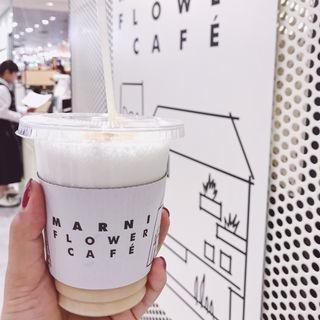 ソルトミルクティー(マルニ フラワー カフェ (MARNI FLOWER CAFE))
