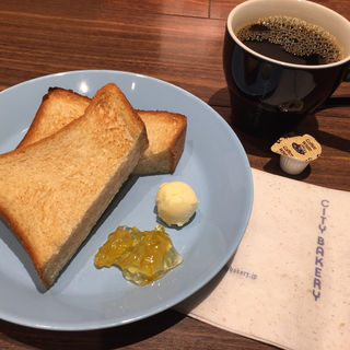 平日限定 トーストモーニング(ザ・シティ・ベーカリー 東急プラザ銀座店)