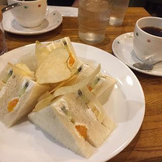 フルーツサンドイッチ(ミワ )
