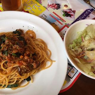 なすとほうれん草のトマトソーススパゲッティ(ガスト本八幡店)