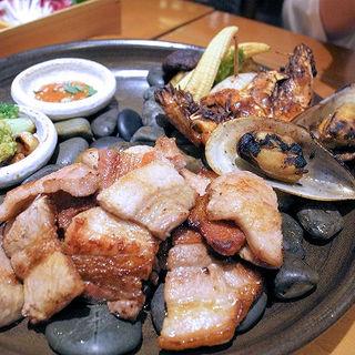国産サムギョプサルと焼き海鮮・野菜(韓国料理 水刺齋 高島屋タイムズスクエア店 )