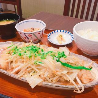 名物 牛ホルモンの味噌炒め定食(博多もつ鍋 幸 とりもつえん KITTE丸の内店 )