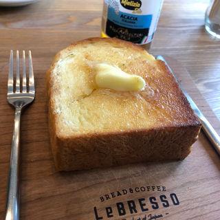 厚切りバタートースト(レブレッソ(Le BRESSO) 目黒武蔵小山店)