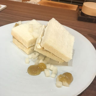 和栗と梨のフルーツサンド(アシェットデセール 未完)